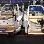 To motorbåter fra båtmessen