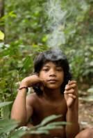 Orang Rimba barn i skogen
